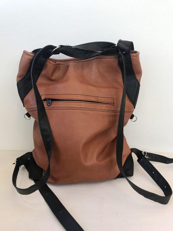ruskea laukku takaa
